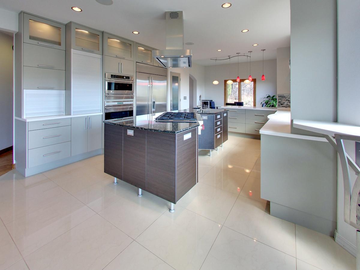 2865 Black Canyon Drive Kitchen