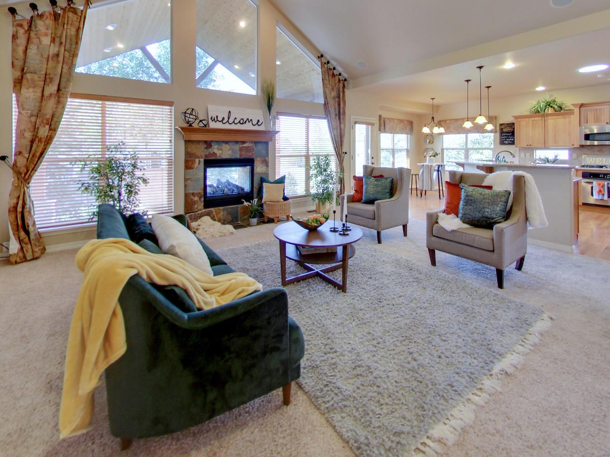 5703 Cisco Dr Livingroom